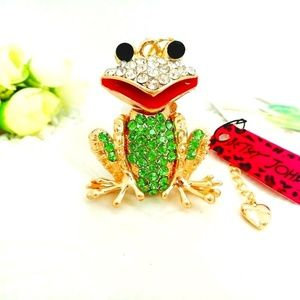 Wild life BJohnson Roger the Frog Necklace